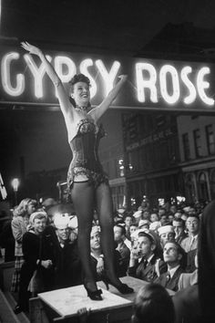 Burlesque dancer Gypsy Rose Lee performs her traveling striptease act, presented by Royal American Shows, on May the opening day of the Memphis Cotton Carnival, on Front Street in Memphis, Tennessee. Cabaret, Gypsy Rose Lee, Vintage Burlesque, Burlesque Show, Burlesque Corset, Vintage Lingerie, Dita Von Teese, Under Your Spell, Mae West