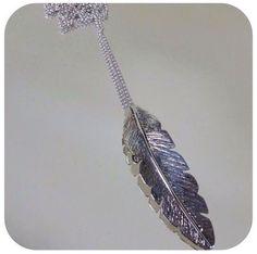 Fio Comprido Pena em Prata +info: joias.she@gmail.com