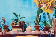 Ο Βασίλης Δημαράς επισκέπτεται μια μεξικάνικη hacienda στα δυτικά προάστια. Painting, Art, Blue Home, Art Background, Painting Art, Kunst, Gcse Art, Paintings, Painted Canvas