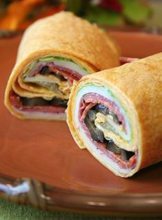 How to Make a Sandwich Wrap: Grilled Chicken and Wassail Wrap / Zesty Italian Wrap / Tuna Wrap / Chipotle Roast Beef Wrap