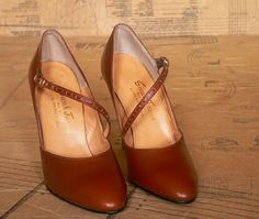 Vintage 1970s Brown Stacked Heels Mary Jane by ageetasOldieWoldies