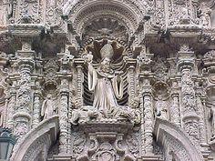 Lima: fachada de la Iglesia de San Agustín.