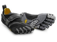 Vibram Komodo Sport Shoes: Seamless 2mm Footbed Insole - stitching free, to reduce friction and improve comfort Heel and Instep Hook and Loop Closures - helps pull the upper tight round the contours of your feet so it feels like a second skin 4mm Vibram TC1 Performance Rubber Outsole - offers excellent grip, traction and protection for all cross training activities