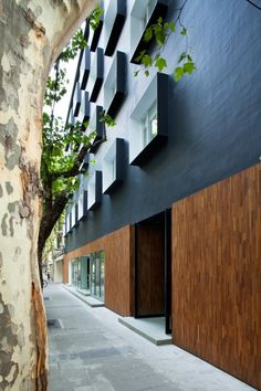 Gallery of The Black Box / Neri&Hu Design and Research Office - 8 Archi Design, Facade Design, Exterior Design, Interior And Exterior, Box Design, Black Box, Facade Architecture, Amazing Architecture, Neri And Hu