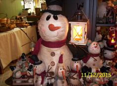 I LOVE this big snowman! He is awesome. Merry And Bright, Snowman, Celebrations, Christmas Crafts, Holidays, Country, My Love, Big, Awesome