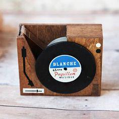 レコードプレーヤー型テープカッター / RECORD PLAYER TAPE DISPENSER
