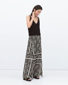 How to wear wide-leg trousers if you are petite Printed Trousers, Wide Leg Trousers, Trousers Women, Lace Skirt, Sequin Skirt, Pantalon Large, Zara New, Zara Women, Fashion Tips