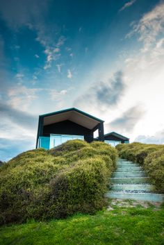 If you get the chance to travel to New Zealand it's definitely worth heading up past Auckland to Omaha Beach. They make a perfect home base for photography explorations. Amazing Architecture, Modern Architecture, Landscape Photography, Travel Photography, Photography Ideas, Exterior Cladding, New Zealand Travel, Beach Photos, Pretty Pictures