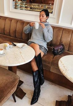 Boots outfit Fresh Cowboy Boots Outfits Ideas Fresh Cowboy Boots Outfits Ideas – M outfits moda masculina outfits casual outfits Work outfits swag outfits urban Cowboy Boot Outfits, Dresses With Cowboy Boots, Winter Boots Outfits, Black Cowboy Boots, Spring Outfits, Grey Boots Outfit, Outfit Winter, Bootfahren Outfit, Casual Dress Outfits