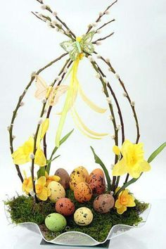 Easter decoration - Decoration Crafts for Easter - Easter arrangement, Easter Bunny and Easter eggs Easter Flower Arrangements, Easter Flowers, Easter Centerpiece, Diy Centerpieces, Floral Arrangement, Diy Flowers, Deco Floral, Arte Floral, Easter Projects