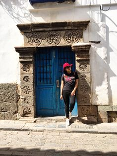 Cusco is a magic city beautiful mix of Inca architecture with colonial Spanish Inca Architecture, Magic City, Travel Style, Colonial, Lifestyle Blog, Spanish, Stylists, Fashion Design, Beautiful