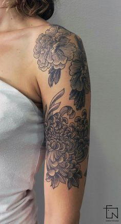 My arm tattoo by ♡ Girly Tattoos, Pretty Tattoos, Beautiful Tattoos, Flower Tattoos, Cool Tattoos, Tatoos, Piercings, Piercing Tattoo, Arm Tattoo