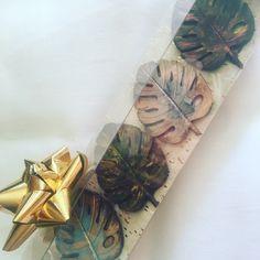Finest Belgium Chocolate Chocolates, Autumn Leaves, Belgium, Gift Wrapping, Gifts, Gift Wrapping Paper, Presents, Fall Leaves, Chocolate
