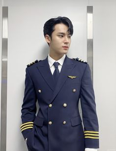 Woozi, Wonwoo, Jeonghan, Mingyu Seventeen, Seventeen Debut, Pilot Uniform, Kim Min Gyu, Id Photo, Choi Hansol
