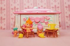 I decided to take a picture of my complete Fairy Winkles collection. I am missing a few variants, but these are basically all the sets. I di...