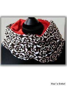 Kuscheliger Rundschal aus Original Vintage Vorhangstoff mit herrlichem siebziger-Jahre-Blumenmuster! Damit es warm und angenehm zu tragen ist, ist ...