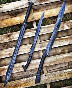 Nantha — Just Pinned to sword: Having sore fingers from… – katana Swords And Daggers, Knives And Swords, Katana Swords, Tactical Swords, Cool Swords, Ninja Weapons, Zombie Apocalypse Weapons, Sword Design, Armadura Medieval
