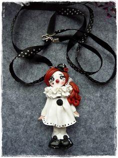 Pierrot -  Clown-dolly Deko oder kette  von Marions Traumlädchen auf DaWanda.com