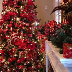 Christmas decor by @Carol Van De Maele Raley