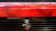 Motori al galoppo (rosso Ferrari)