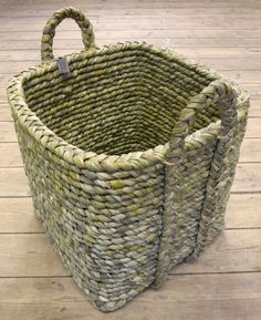 Square log basket with handles