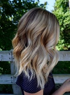 Hair Styles 2018 Appealing Vanilla Blonde Balayage Chunky Wavy Hair … Hair Styles 2018 Appealing Vanilla Blonde Balayage Chunky Wavy Hair Kjbhair Pic For Color And Trend Ultra Flirty Blonde Hairstyles You Have To Try — Style Estate Balayage Blond, Hair Color Balayage, Hair Highlights, Ombre Hair Color, Short Balayage, Blonde Color, Baylage Blonde, Balayage Hairstyle, Hair Bayalage