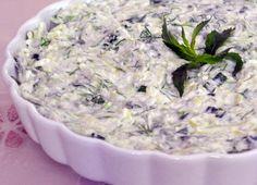 Kabak, pirinç ve taze otlarla hazırlanan yoğurtlu bir Ege mezesidir nuraniye. Özellikle yaz sofraları için gayet leziz bir seçenektir. İşte tarifi...