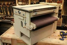 The best and most versatile thickness/drum sander. The best and most versatile thickness/drum sander. – from Stumpy Nubs Unique Woodworking, Woodworking Hand Tools, Woodworking Projects That Sell, Wood Tools, Woodworking Workbench, Woodworking Techniques, Woodworking Furniture, Woodworking Shop, Green Woodworking