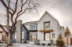 Rustic Home Design, Farmhouse Design, Modern House Design, Rustic Farmhouse, Farmhouse Ideas, Modern Farmhouse Exterior, Modern Farmhouse Style, Farmhouse Interior, Interior Modern