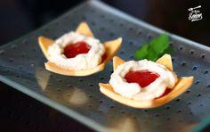 Crema de queso Cabrales con mermelada de pimiento rojo -- aperitivo-delicioso