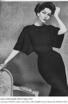Retro Fashion Joanna McCormick, Vogue Wearing a basket-weave wool dress with straight tunnel sleeves by Madame Grès. - Wearing a basket-weave wool dress with straight tunnel sleeves by Madame Grès. Moda Vintage, Vogue Vintage, Vintage Fashion 1950s, Vintage Couture, Vintage Glamour, Vintage Beauty, Retro Fashion, Modern 50s Fashion, Classy Fashion