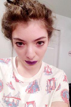 Lorde Purple Lipstick Selfie Plus Sticking Out Tongue Lorde Hair, Celebrity Selfies, Purple Lipstick, Kirsten Dunst, White Teeth, Gwyneth Paltrow, Celebs, Celebrities, Demi Lovato