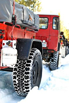 FJ40 Playin in the snow...awesome.