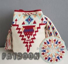 Tapestry Crochet Patterns, Knitting Patterns, Mochila Crochet, Tapestry Bag, Old Quilts, Handmade Bags, Purses And Bags, Knit Crochet, Poufs