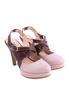 lovely pink shoes! ^^