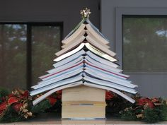 Christmas tree made of books, supersimpel, hartstikke leuk!