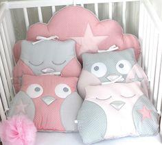 *Tour de lit bébé fille, hibou ou chouette et nuage, ton rose poudré et gris