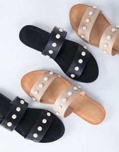 Create and DIY your own pearl sandals just like these, join the pearl shoe trend, make some pearl slides.. just add pearl beads!