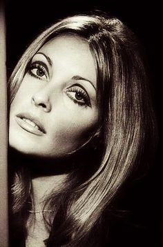 Sharon tate Makeup ... I'm in love with this look. Just watched Valley of the Dolls. tateeyescomp.jpg (550×835)