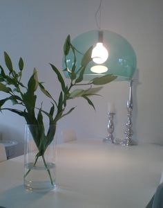 Kartell Fly lamp | saliegroene lamp | doorzichtige lamp
