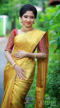 The latest Indian saree designs look-book is here! Take a look at some of the most amazing and new-age styles of draping your regular saree like a diva! Kerala Saree Blouse Designs, Wedding Saree Blouse Designs, Saree Blouse Neck Designs, Half Saree Designs, Fancy Blouse Designs, Golden Blouse Designs, Kerala Wedding Saree, Indian Bridal Sarees, Indian Bridal Outfits