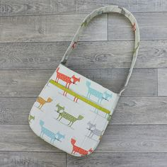 Bag sewing pattern The Shapely Tote bag. PDF purse pattern.