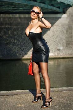 Leather Dresses, Leather Mini Skirts, Leather Skirt, Sexy Outfits, Cool Outfits, Mode Latex, Leather Catsuit, Leder Outfits, Fetish Fashion