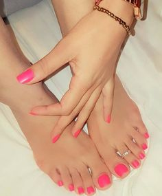 Pink Toe Nail Art Ideas to Copy 55 Pink Toe Nail Art Ideen zum Kopieren 23 Pink Toe Nails, Pretty Toe Nails, Cute Toe Nails, Pink Toes, Sexy Nails, Cute Toes, Sexy Toes, Pretty Toes, Toe Nail Art