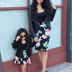Mother Daughter Matching Outfits family and friends this mother dresses her daughter to Mother Daughter Matching Outfits. Here is Mother Daughter Matching Outfits for you. Mother Daughter Matching Outfits, Mother Daughter Fashion, Mommy And Me Outfits, Matching Family Outfits, Baby Outfits, Mommy And Me Dresses, Future Daughter, Mother Daughters, Mother Daughter Pictures
