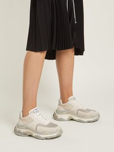 NWOT Nike 'Force Is Female' Bucket Bag