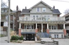 TORONTO-BEACHES S of Queen 1-BEDROOM FURNISHED APT. $2500/month