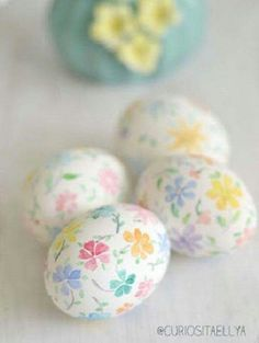 Painted Spring {With Easter Eggs & Flowers} Ostern Party, Diy Ostern, Easter Crafts For Adults, Easter Egg Crafts, Easter Egg Designs, Easter Tree, Cool Easter Eggs, Easter Wreaths, Diy Easter Decorations