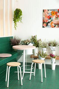Salle Café Fleuriste Peonies Adresse : 81 Rue du Faubourg Saint-Denis, 75010 Paris, 75010 Paris