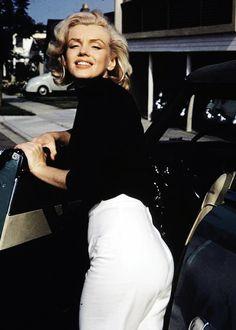 missmonroes: Marilyn Monroe photographed by Alfred Eisenstaedt, 1953.